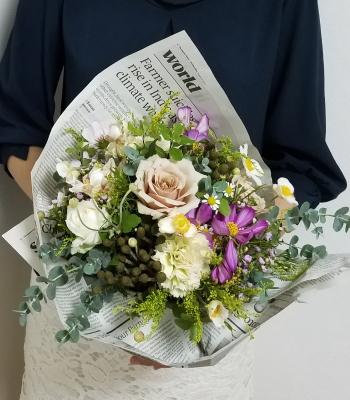 ルントシュトラウス,作品を手に,Flower Drops コースⅠ,東京,自由が丘,フラワーアレンジメント教室,フラワードロップス