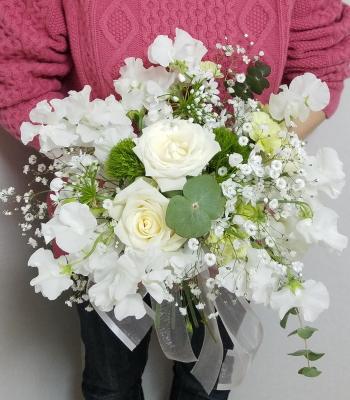 花嫁の花束,作品その1,作品を手に,Flower Drops コースⅡ,東京,自由が丘,フラワーアレンジメント教室,フラワードロップス