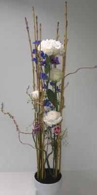 静止と動き,作品その2,Flower Drops コースⅢ,東京,自由が丘,フラワーアレンジメント,フラワースクール,フラワー教室,フラワードロップス