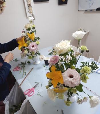 トライアンギュラー,制作風景,Flower Drops コースⅠ,東京,自由が丘,フラワーアレンジメント,フラワースクール,フラワー教室,フラワードロップス