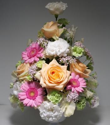 トライアンギュラー,作品その3,Flower Drops コースⅠ,東京,自由が丘,フラワーアレンジメント,フラワースクール,フラワースクール,フラワー教室,フラワードロップス