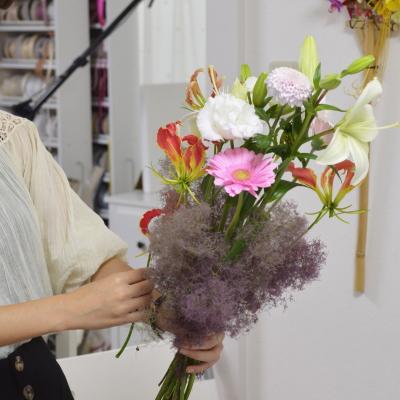 パリスタイルの花束Ⅱ,制作風景,Flower Drops コースⅡ,東京,自由が丘,フラワーアレンジメント,フラワースクール,フラワー教室,フラワードロップス