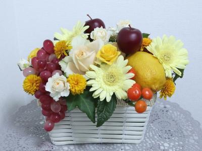フルーツと花のアレンジ,作品その1,Flower Drops コースⅢ,東京,自由が丘,フラワーアレンジメント,フラワースクール,フラワー教室,NFD公認校
