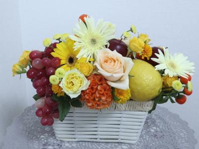 フルーツと花のアレンジ,作品その2,Flower Drops コースⅢ,東京,自由が丘,フラワーアレンジメント,フラワースクール,フラワー教室,NFD公認校