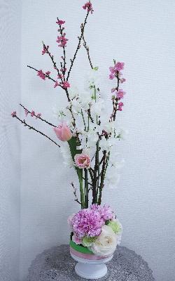 ひなまつりのアレンジ,作品その2,Flower Drops コースⅡ,東京,自由が丘,フラワーアレンジメント,フラワースクール,フラワー教室,フラワードロップス