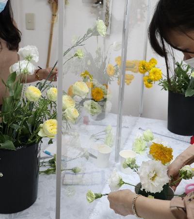 ホリゾンタル,レッスン風景,Flower Drops コースⅠ,東京,自由が丘,フラワーアレンジメント,フラワースクール,フラワー教室,フラワードロップス