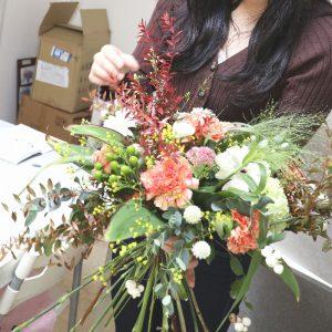シュトラウスの制作風景,Flower Drops コースⅢ,東京,自由が丘,フラワーアレンジメント,フラワースクール,フラワー教室,フラワードロップス