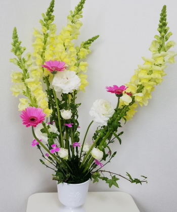 ヴェゲタティフに春を活ける,作品1,東京,フラワーアレンジメント,教室,フラワードロップス