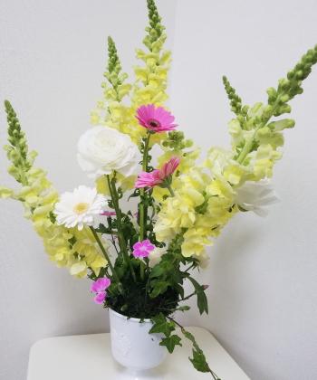 ヴェゲタティフに春を活ける,作品2,東京,フラワーアレンジメント,教室,フラワードロップス