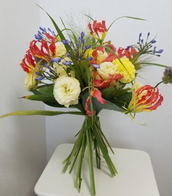パリスタイルの花束,横から撮影,Flower Drops コースⅡ,東京,自由が丘,フラワーアレンジメント教室,フラワードロップス