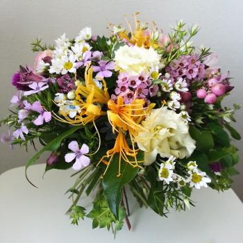 ルントシュトラウスの生徒さんの作品|Flower Drops コースⅠの10月のテーマ|東京・自由が丘のフラワーアレンジメント教室|フラワードロップス