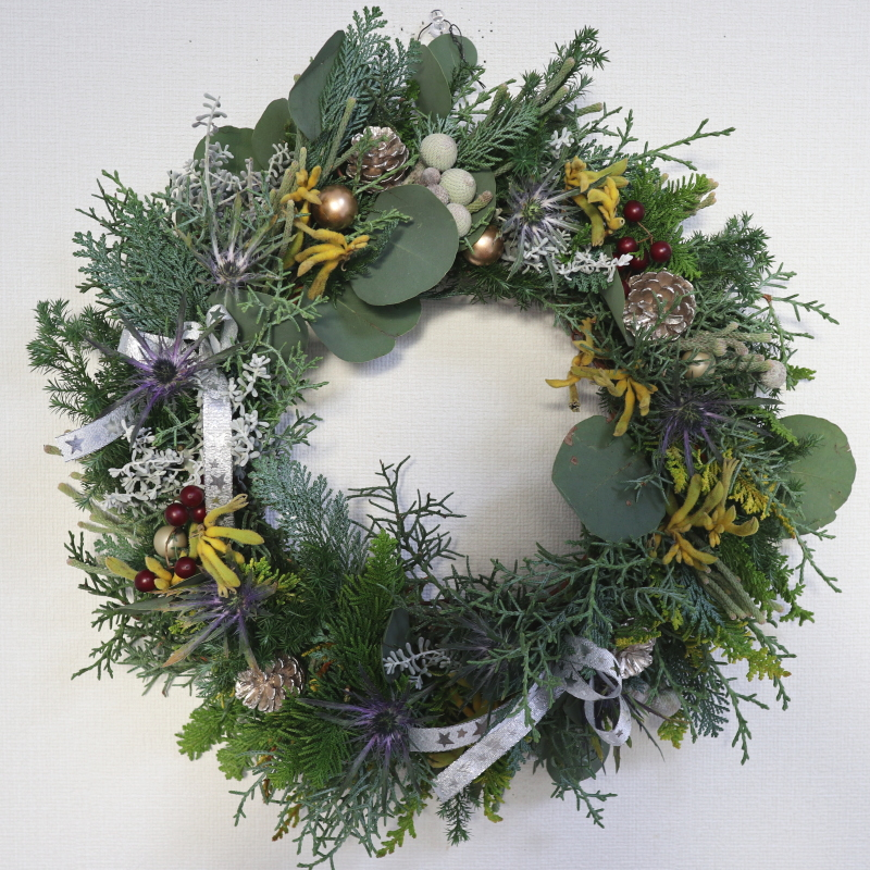 クリスマスリース,作品その1,Flower Drops コースⅠ、Ⅱ、Ⅲ,東京,自由が丘,フラワーアレンジメント,フラワースクール,フラワー教室,フラワードロップス