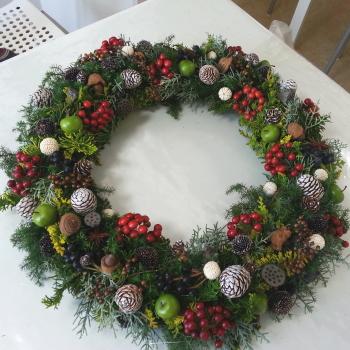 クリスマスリース-特別レッスン|東京・自由が丘のフラワーアレンジメント教室|フラワードロップス