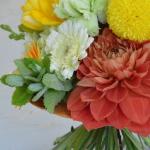 アシストを使った花束-フレッシュフラワーアレンジメント-東京・自由が丘のフラワーアレンジメント教室|フラワードロップス