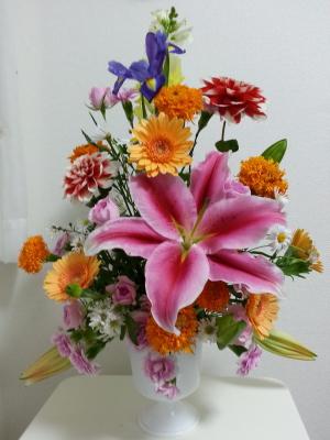 マーラリッシュ-生徒さんの作品その1 Flower Drops コースⅠの11月のテーマ 東京・自由が丘のフラワーアレンジメント教室 フラワードロップス