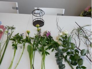Flower DropsコースⅠの鳥かごアレンジで使う花材